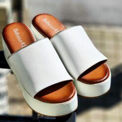 Kožené šľapky na platforme BotHEGA41